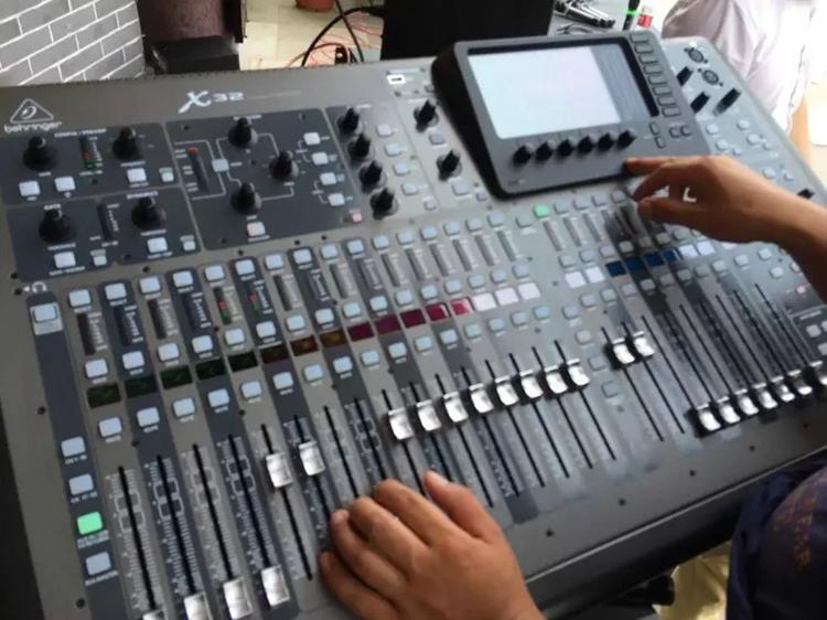 公共广播设备